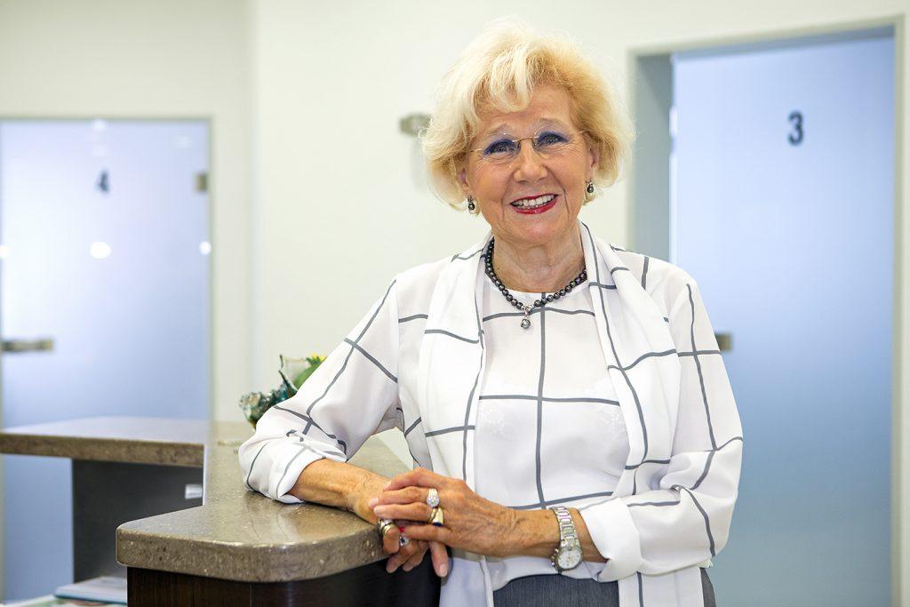 Karin Battenfeld, Praxismanagement und Patientenberatung, Verwaltung